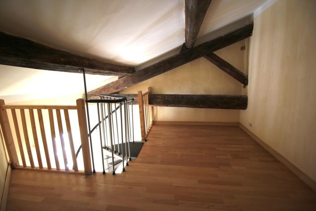 NIMES MONT DUPLAN Appartement p4, charme, ancien, poutres, parquet, sur mesure, 3 chambres, bureau,d
