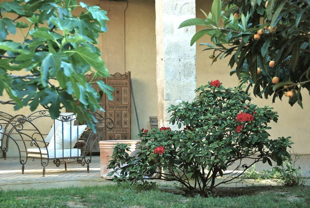 maison bourgroise jardin village Gard agence Corinne Ponce Nimes (13)