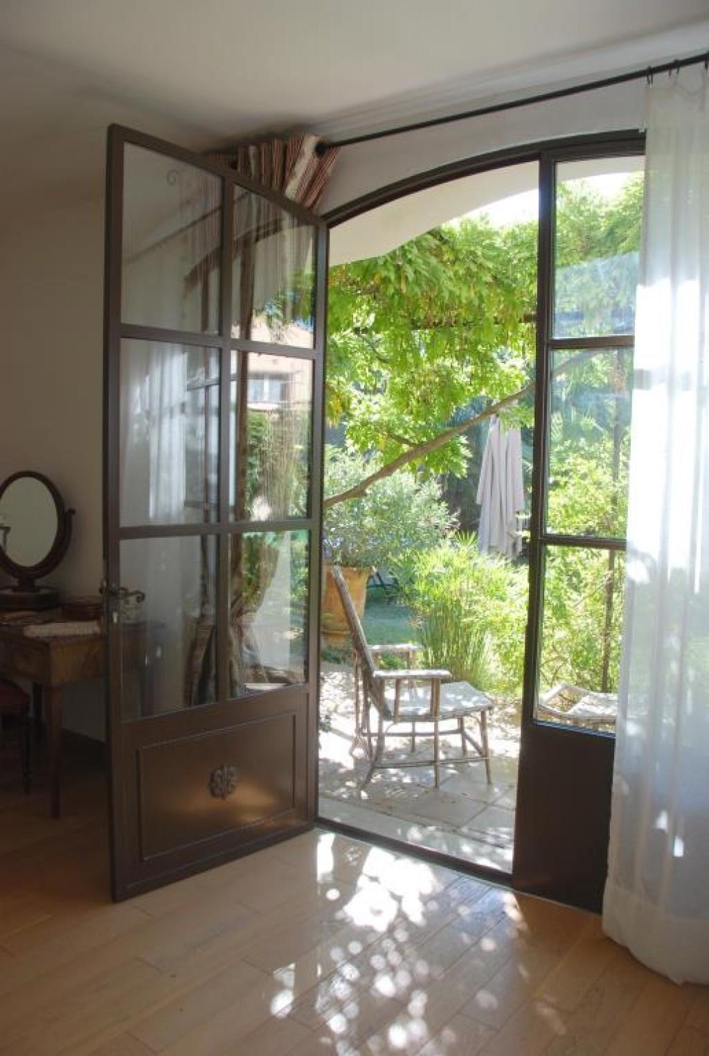 maison bourgroise jardin village Gard agence Corinne Ponce Nimes (34)