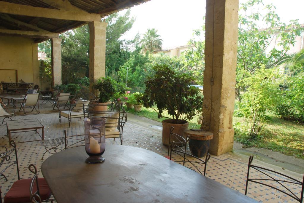 maison bourgroise jardin village Gard agence Corinne Ponce Nimes (47)
