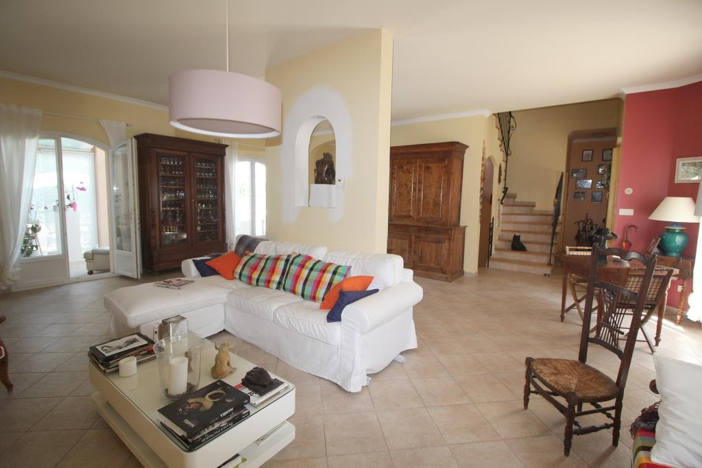 a vendre villa NImes grand standing agence immobiliere corinne ponce Nimes 30 gard (14)