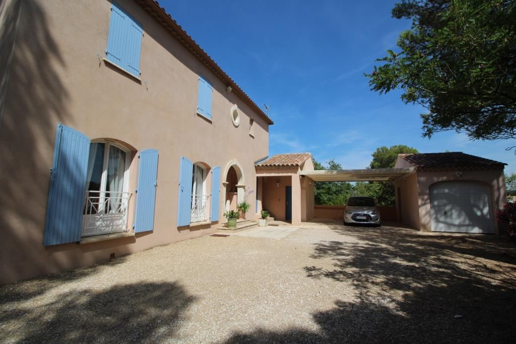 a vendre villa NImes grand standing agence immobiliere corinne ponce Nimes 30 gard (27)