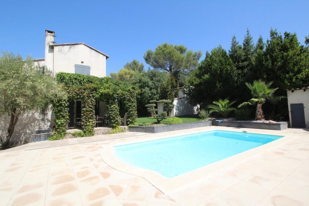 vente villa quartier residentiel piscine Nimes agence immobiliere corinne ponce Nimes 30 (2)