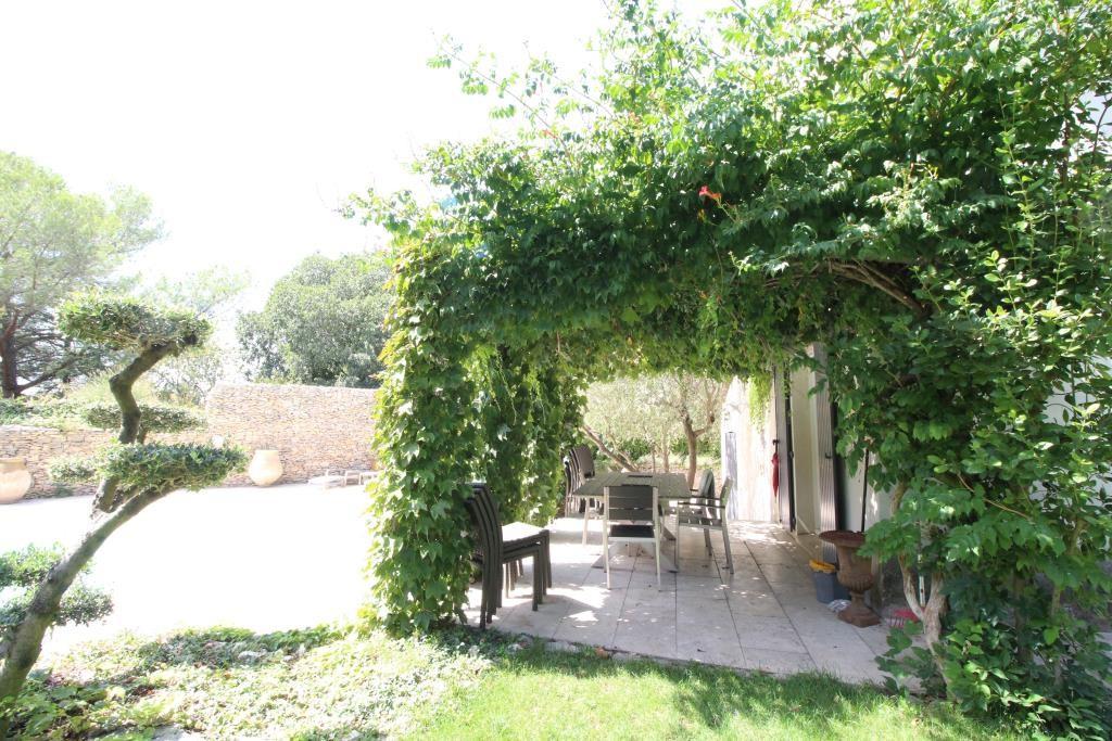 vente villa quartier residentiel piscine Nimes agence immobiliere corinne ponce Nimes 30 (5)