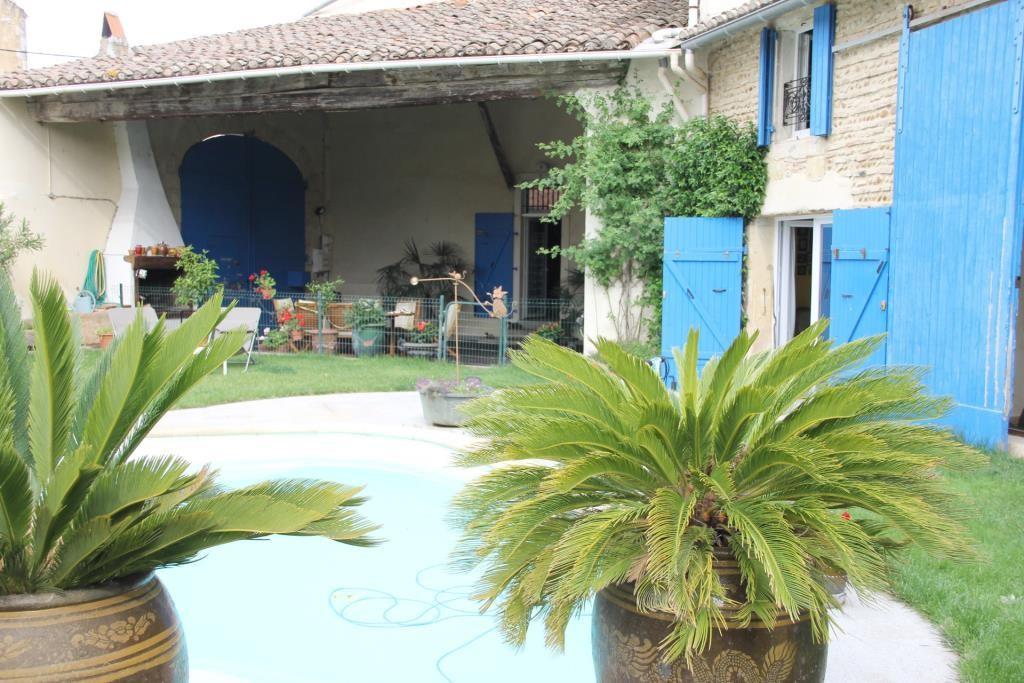 demeure vigneronne piscine jardin proche nimes Corinne Ponce Immobilier (88)