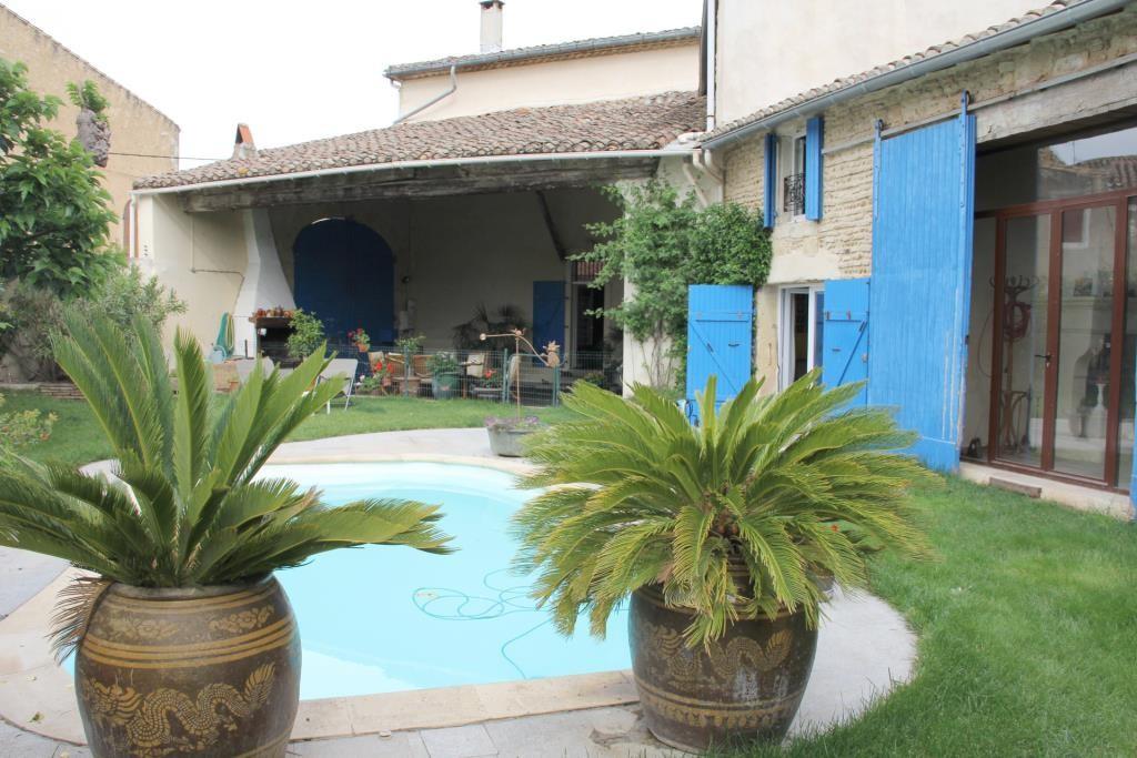 demeure vigneronne piscine jardin proche nimes Corinne Ponce Immobilier (89)