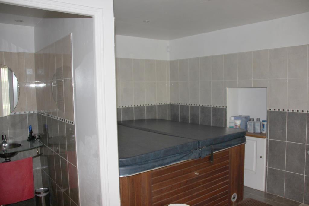 demeure vigneronne piscine jardin proche nimes Corinne Ponce Immobilier (69)