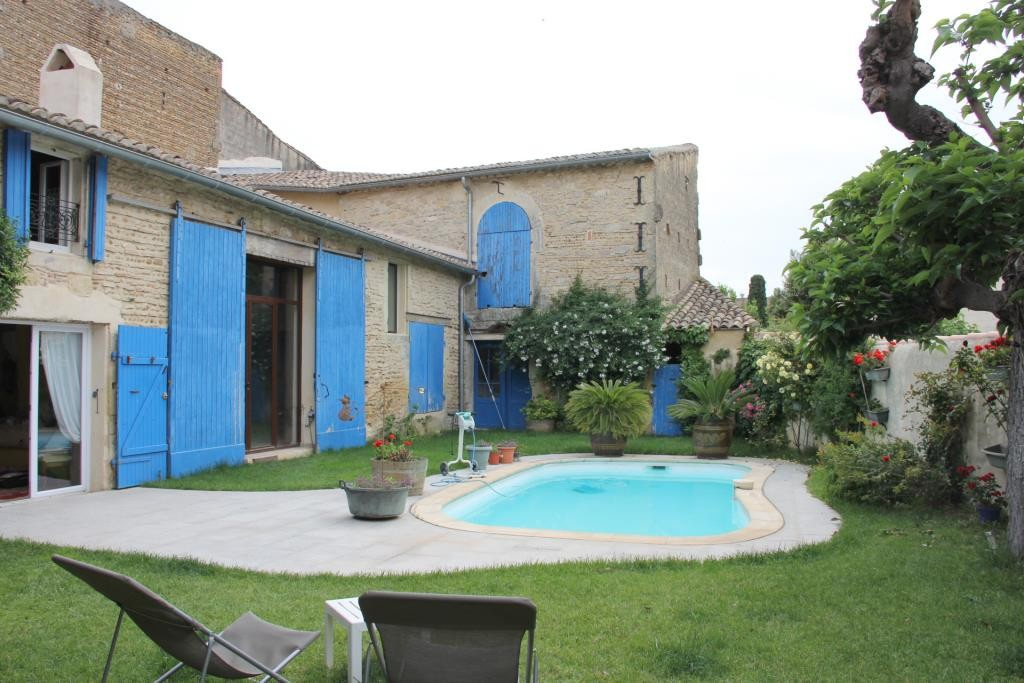 demeure vigneronne piscine jardin proche nimes Corinne Ponce Immobilier (91)