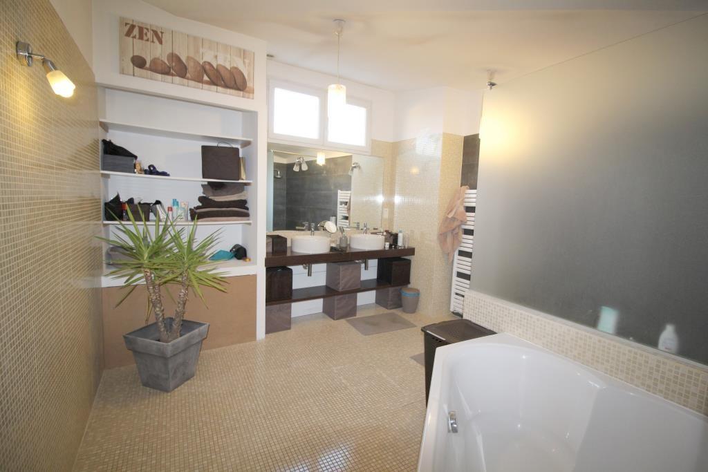 vente duplex centre ville Nimes agence immobiliere corinne ponce NImes (40)