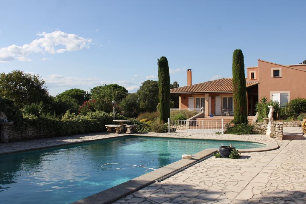 villa piscine Gard Vaucluse  (30)