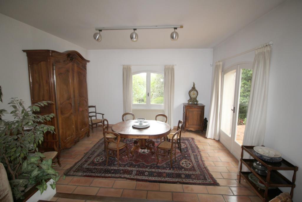 vente maison provencale Nimes quartier ouest residentiel. Agence immobiliere corinne ponce Nimes gar