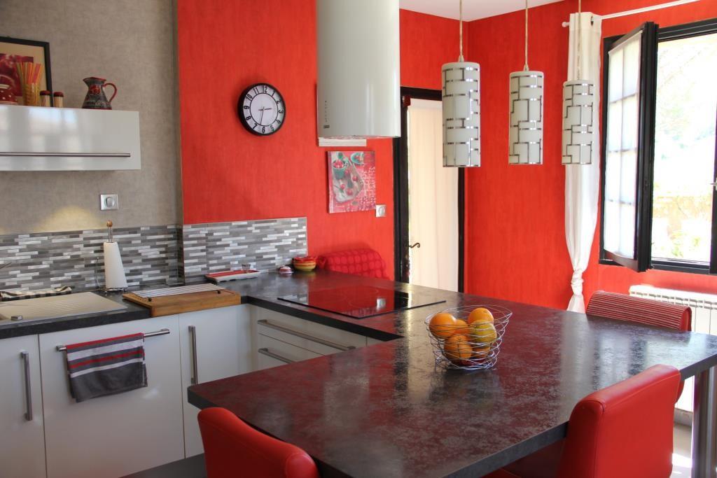 villa Caveirac avec appartement et piscine Corinne Ponce Immobilier Nimes Gard (13)