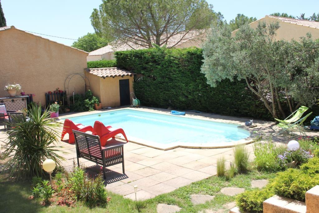 villa Caveirac avec appartement et piscine Corinne Ponce Immobilier Nimes Gard (7)