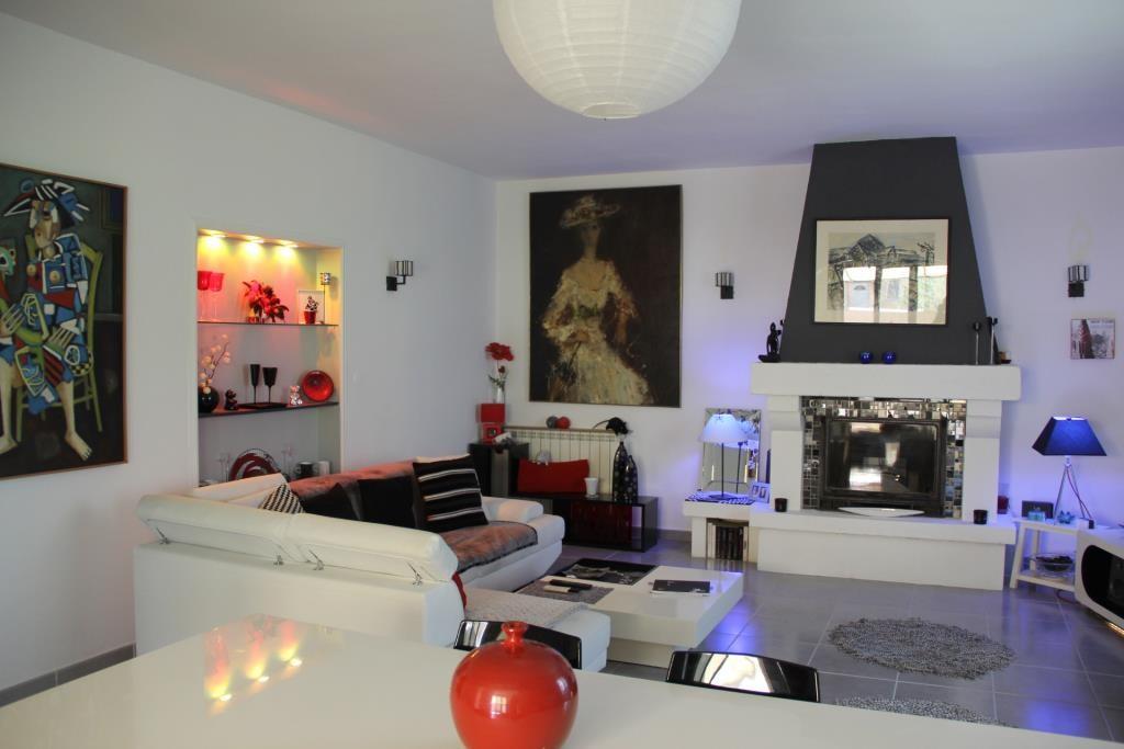 villa Caveirac avec appartement et piscine Corinne Ponce Immobilier Nimes Gard (15)