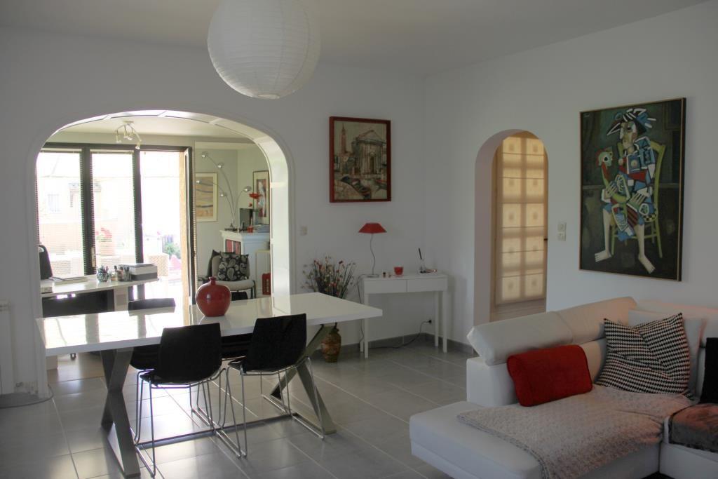villa Caveirac avec appartement et piscine Corinne Ponce Immobilier Nimes Gard (17)