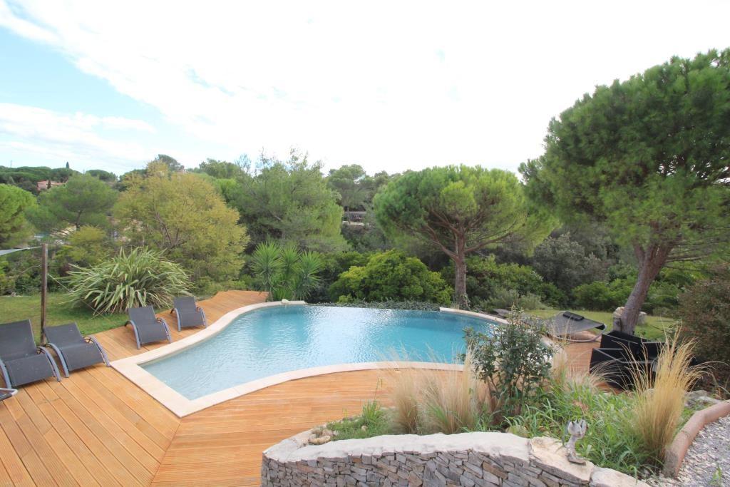 vente villa contemporaine Nimes agence immobiliere corinne ponce Nimes (33)
