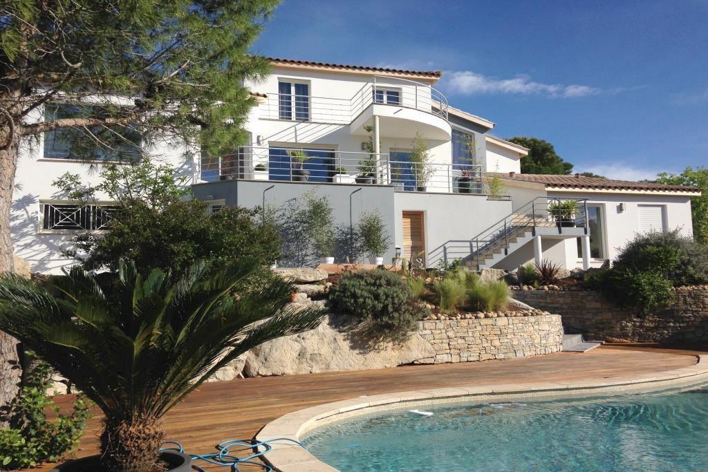 vente villa contemporaine Nimes agence immobiliere corinne ponce Nimes (44)