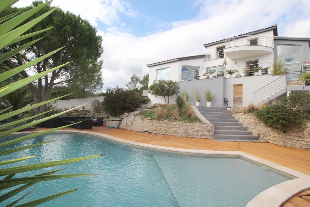 vente villa contemporaine Nimes agence immobiliere corinne ponce Nimes (35)