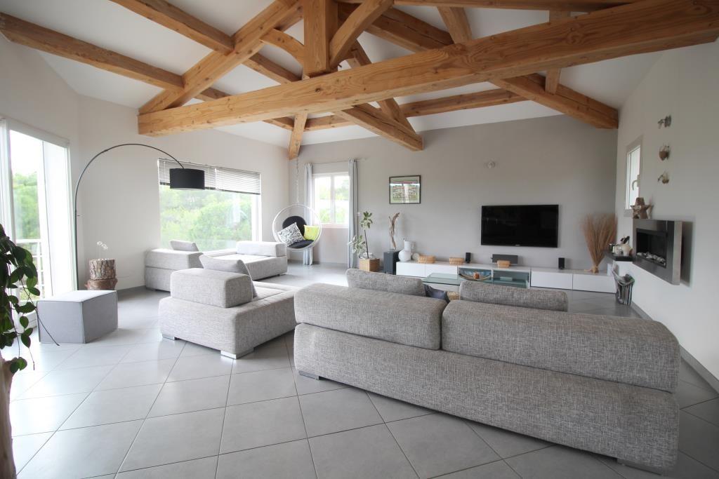 vente villa contemporaine Nimes agence immobiliere corinne ponce Nimes (6)