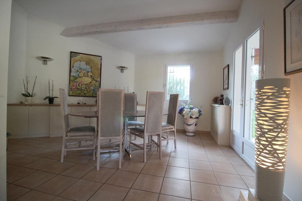 annonces vente villas maisons Nimes particuliers agence immobiliere corinne ponce Nimes 30 gard (21)