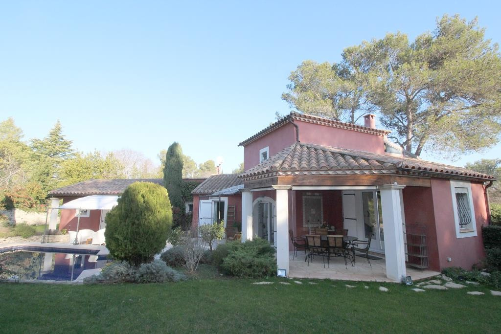 annonces vente villas maisons Nimes particuliers agence immobiliere corinne ponce Nimes 30 gard (17)
