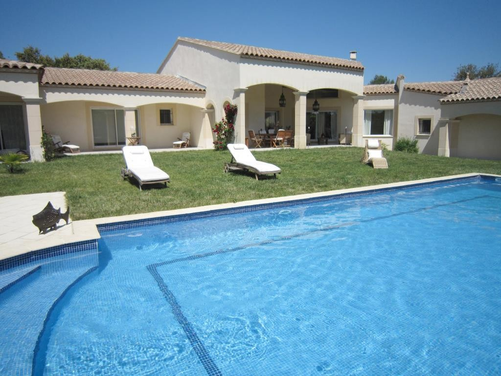 annonces vente villa grand standing Nimes agence immobiliere corinne ponce Nimes (19)