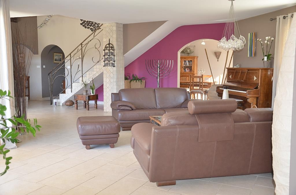annonces vente villa grand standing Nimes agence immobiliere corinne ponce Nimes (33)
