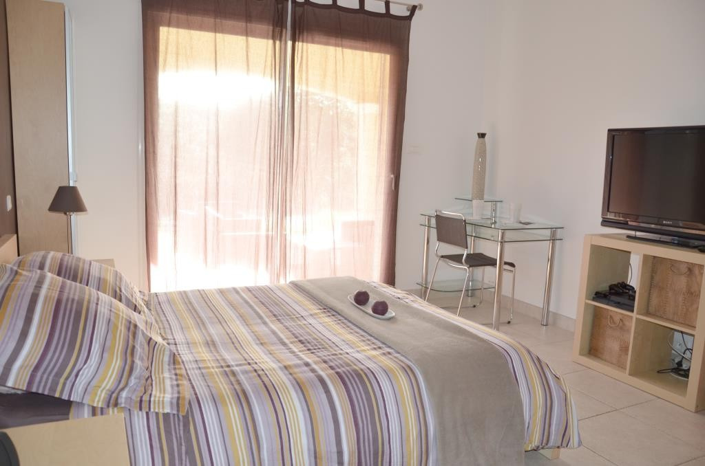 annonces vente villa grand standing Nimes agence immobiliere corinne ponce Nimes (38)
