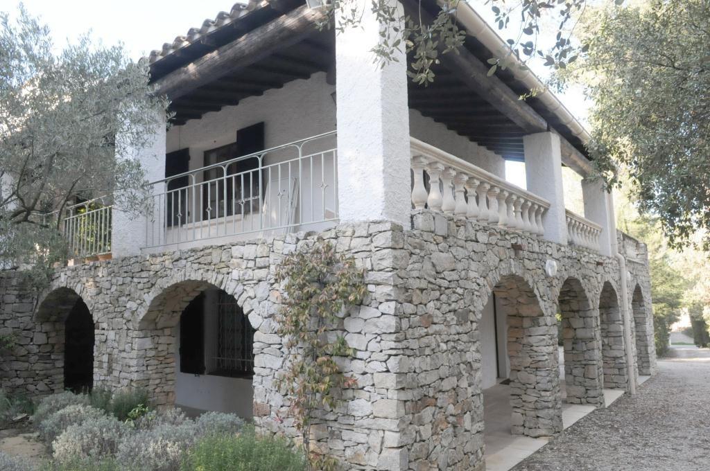 villa de charme a vendre nimes (16)