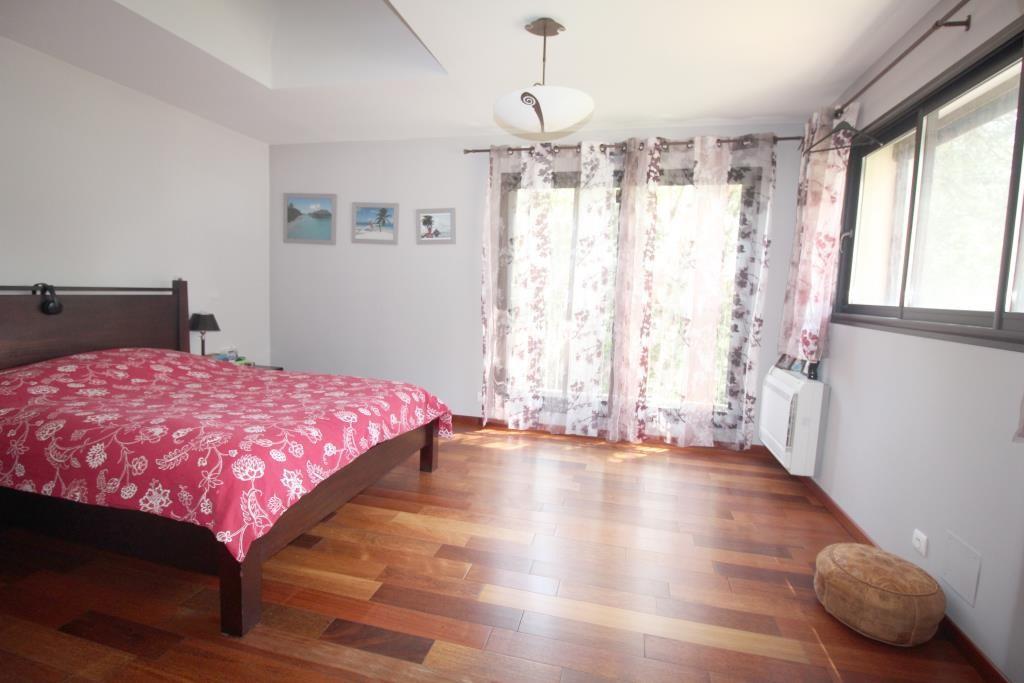 vente villa d'architecte Nimes agence immobiliere corinne ponce (36)