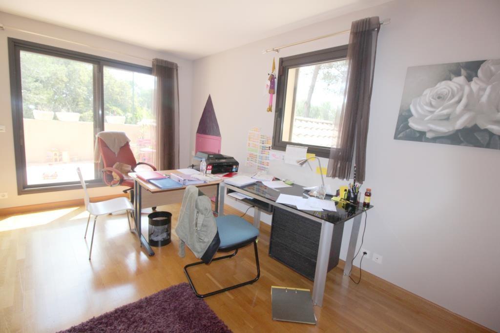 vente villa d'architecte Nimes agence immobiliere corinne ponce (30)