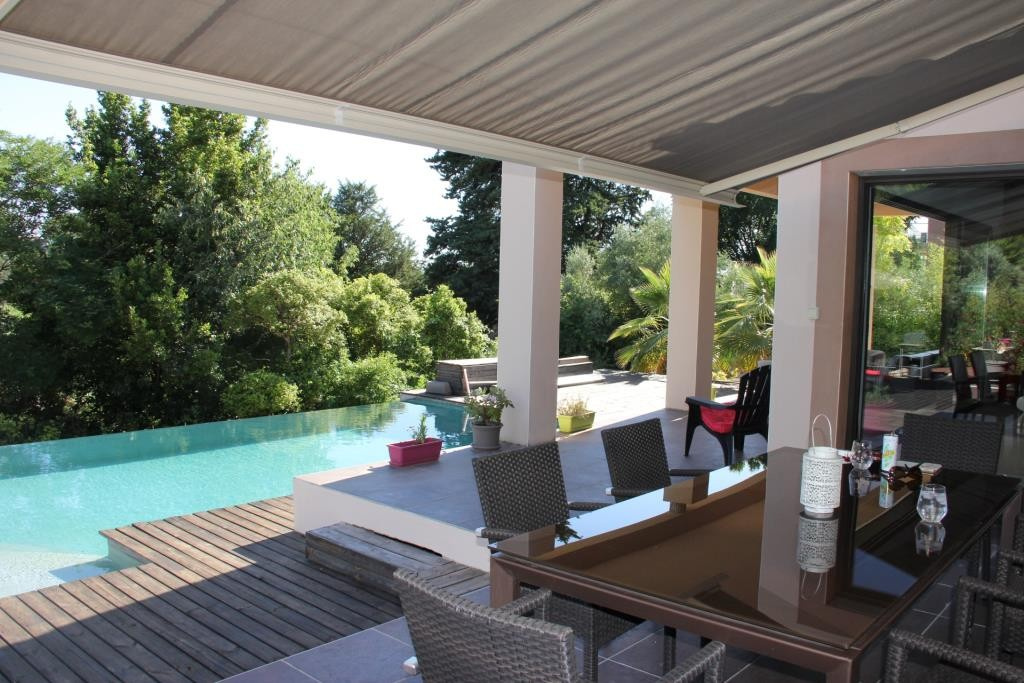 villa contemporaine sommieres Corinne Ponce Immobilier Nimes gard (45)