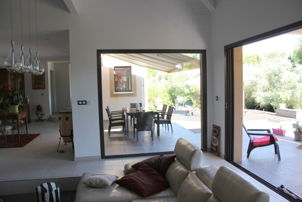 villa contemporaine sommieres Corinne Ponce Immobilier Nimes gard (34)
