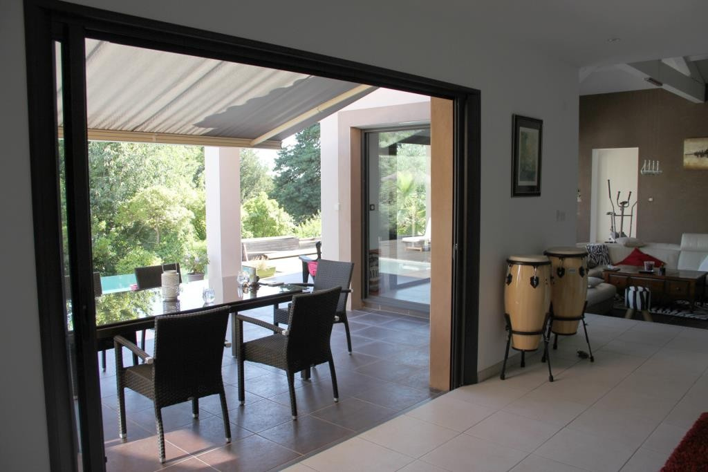 villa contemporaine sommieres Corinne Ponce Immobilier Nimes gard (29)