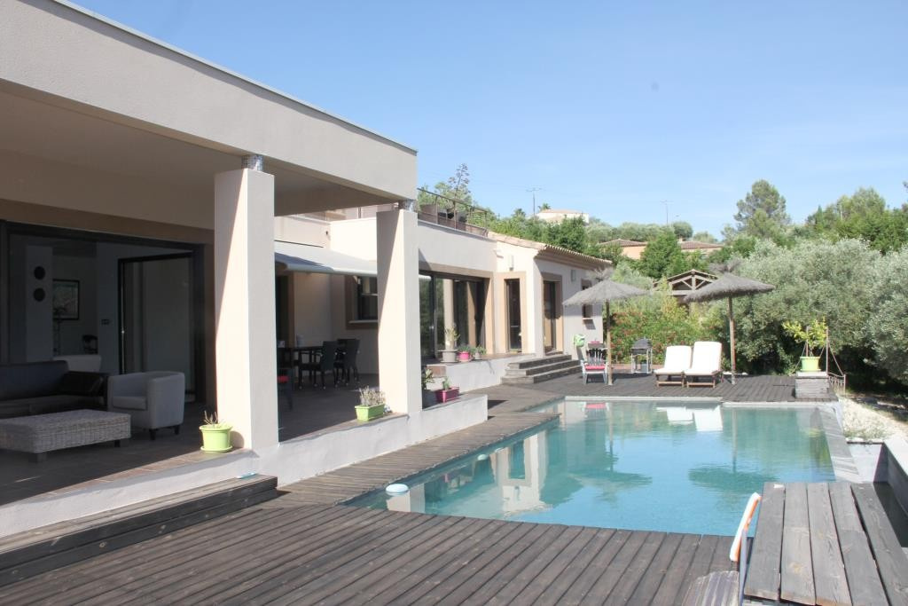 villa contemporaine sommieres Corinne Ponce Immobilier Nimes gard (37)