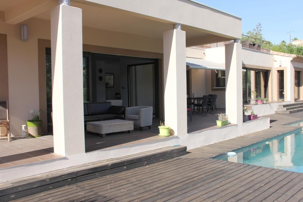 villa contemporaine sommieres Corinne Ponce Immobilier Nimes gard (38)