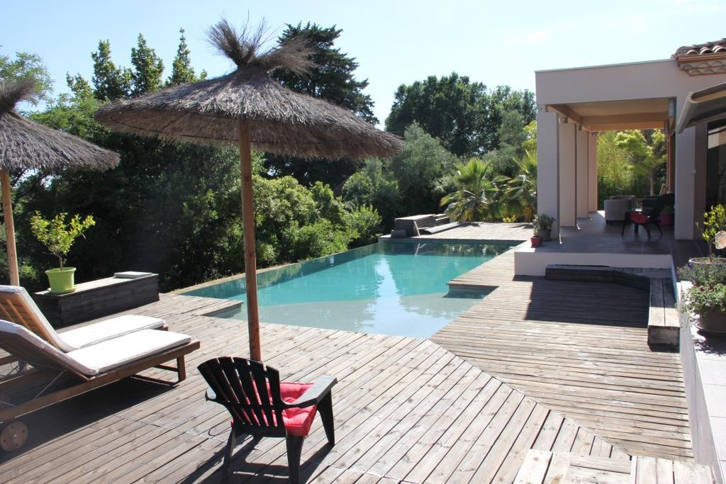 villa contemporaine sommieres Corinne Ponce Immobilier Nimes gard (44)