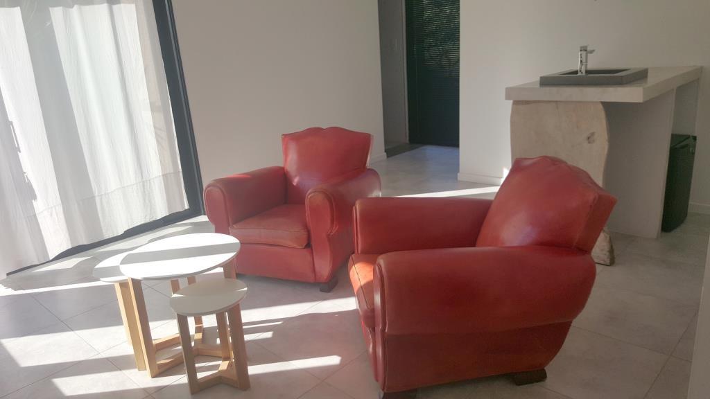 mas contemporain Nimes agence Corinne Ponce Immobilier Nimes Gard (58)
